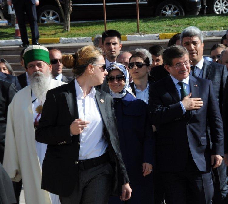 Başbakan Ahmet Davutoğlu Hacı Bektaş-ı Veli Türbesi'ni ziyaret etti