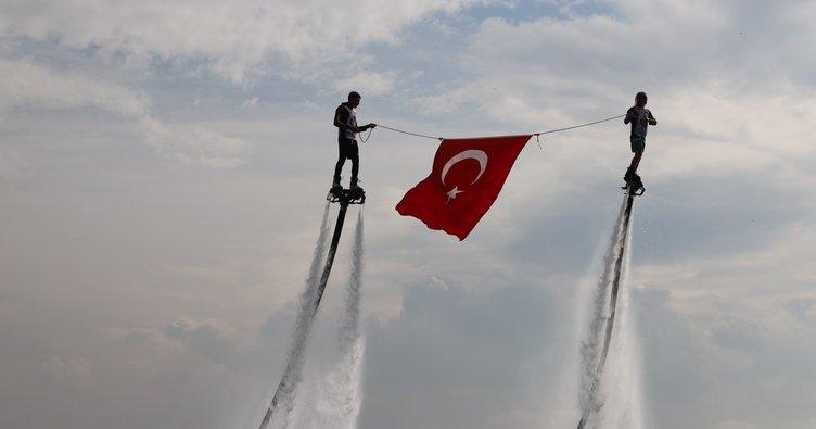 Mavi Vatan'ın kalbi Kocaeli Körfez'de su sporları gösterileri nefes kesti