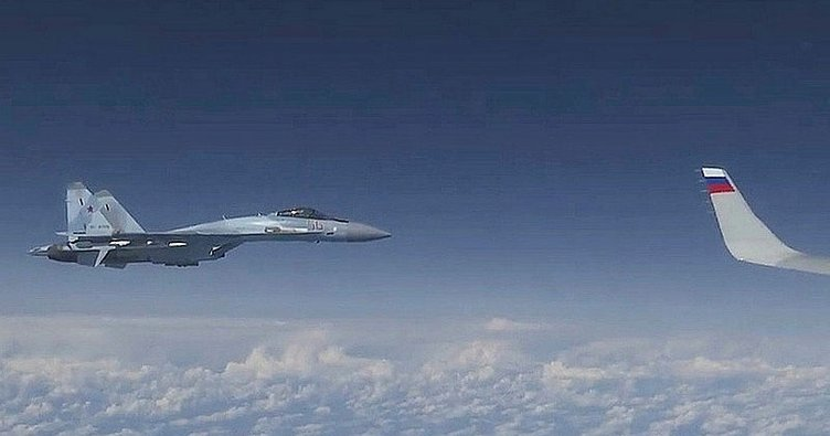 Rus savaş uçağı, Karadeniz'de ABD keşif uçağını engelledi