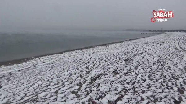 Balıkesir Edremit sahilleri 9 yıl sonra kar yağışı ile beyaza büründü   Video
