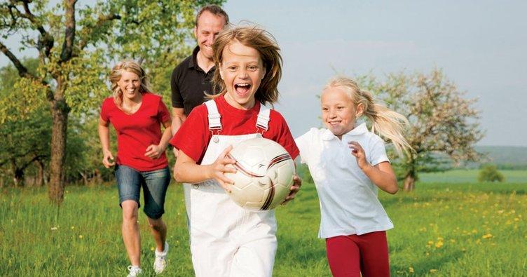 Anne babalar çocuklarından neler öğrenir?
