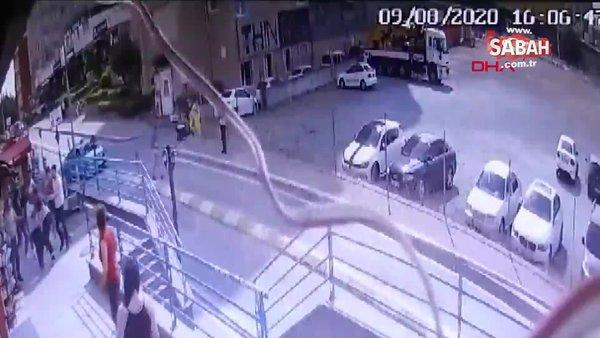 İstanbul Esenyurt'ta rezidans önündeki kavga kamerada... 1 yaralı! | Video