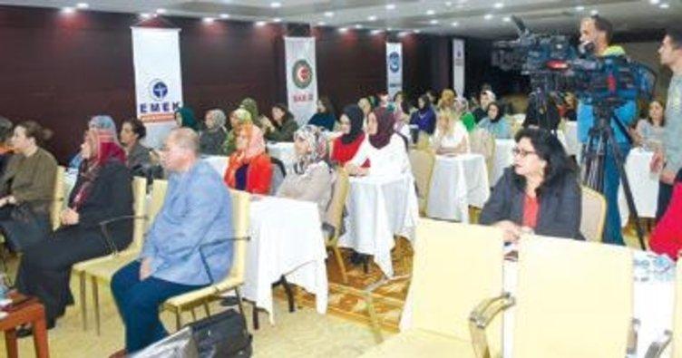 Hizmet-İş sendikası kadın komitesi eğitim programında