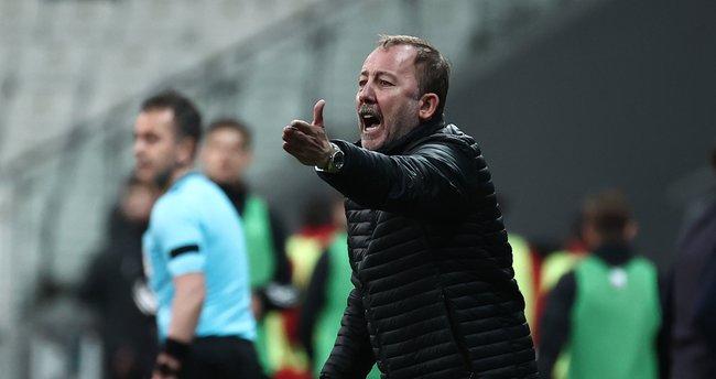 """Son dakika: Karagümrük yenilgisi sonrası Sergen Yalçın'dan oyuncularına sert uyarı! """"Şampiyonluğa inanmayan…"""""""