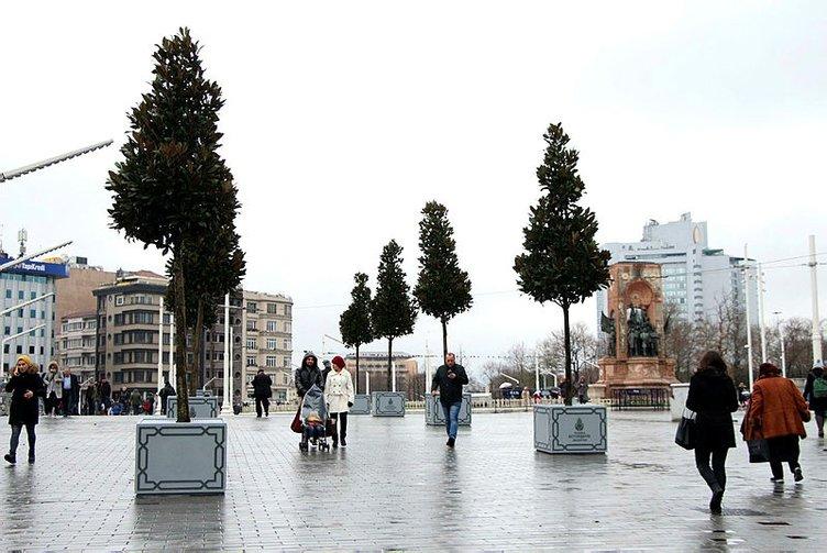 taksim meydanı saksı ağaçlar ile ilgili görsel sonucu