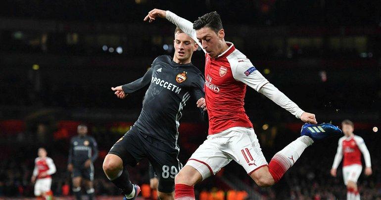 UEFA Avrupa Ligi'ne Mesut Özil damgası