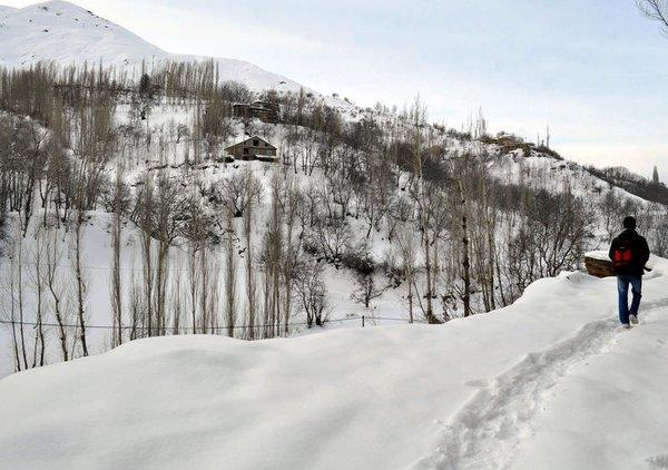Tüm yurt kar altında