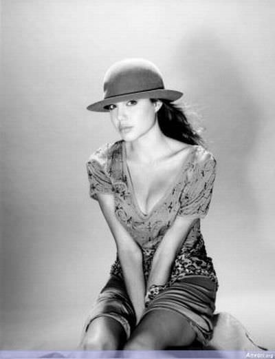 Dünden bugüne Angelina Jolie...