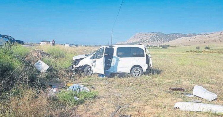 Burdur'da 3 kişi kazada yaralandı