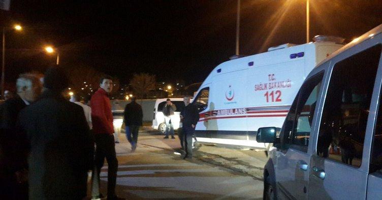 Bayburt'ta minibüs otomobille çarpıştı: 7 ölü, 4 yaralı