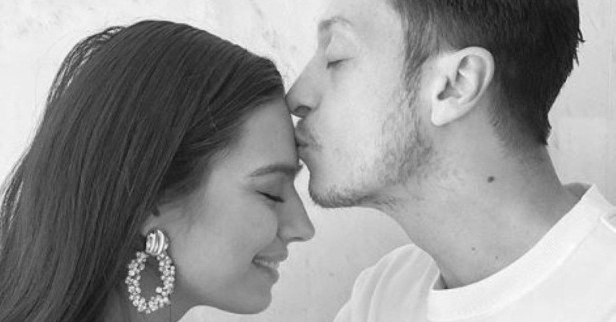 Mesut Özil ile Amine Gülşe çifti kızları Eda'ya kavuştu!