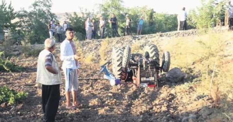 Üzüm bağına yuvarlanan traktör iki çocuğu ezdi