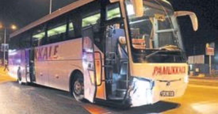 Otomobille otobüs çarpıştı: 1 kişi öldü
