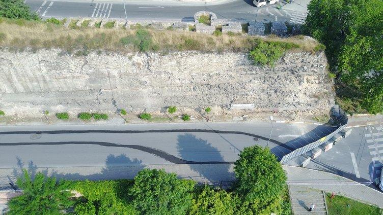 Tarihi surlardaki çökme sonrası Sulukule Caddesi trafiğe kapatıldı