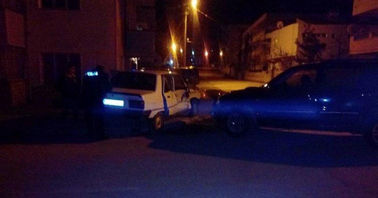 Adıyaman'da hafif ticari araçla otomobil çarpıştı: 2 yaralı