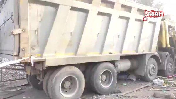 Hindistan'da kamyonun 13 işçiyi ezerek öldürdüğü dehşet anları kamerada   Video