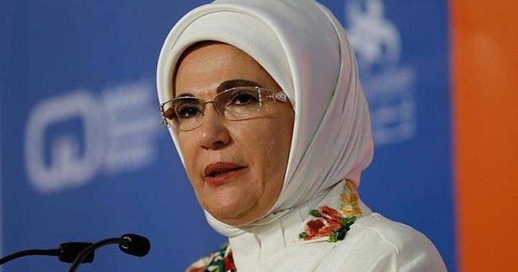 """Emine Erdoğan'a """"Fark Yaratan"""" ödülü"""