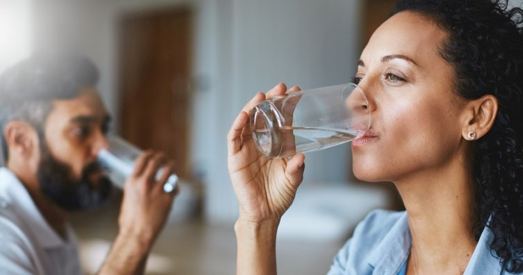 Kendinizi yorgun hissediyorsanız nedeni sıvı kaybı olabilir!