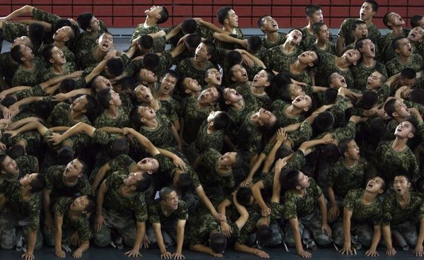 Ne yapıyor bu askerler?