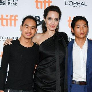 Angelina Jolie evlat edindiği Maddox'a…
