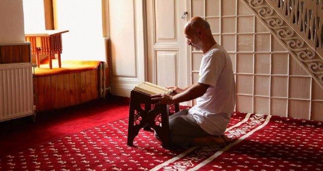 Arefe günü nasıl namaz kılınır, hangi dualar ve sureler okunur?