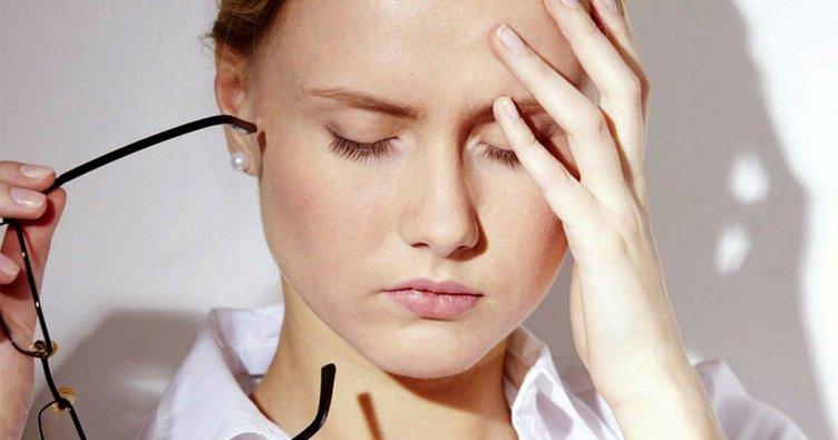 Baş ağrısı nasıl geçer? Baş ağrısı nedenleri nelerdir? Evde doğal ve ...