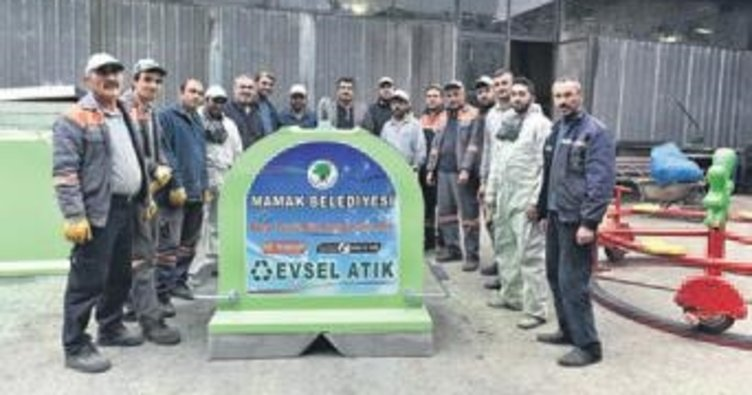 Mamak'ta 2 bin 600 konteyner dağıtıldı