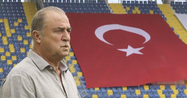 Fatih Terim Galatasaray'da 900. maçına çıktı