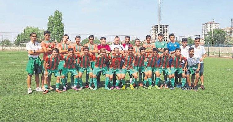 Alanyaspor'un gençleri finallerde