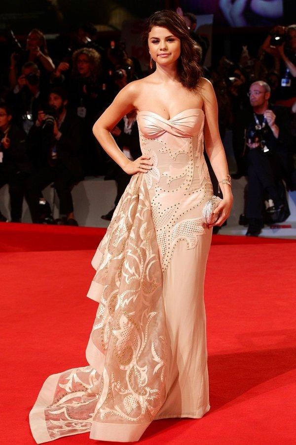 Selena Gomez Cumartesi SABAH'a konuştu