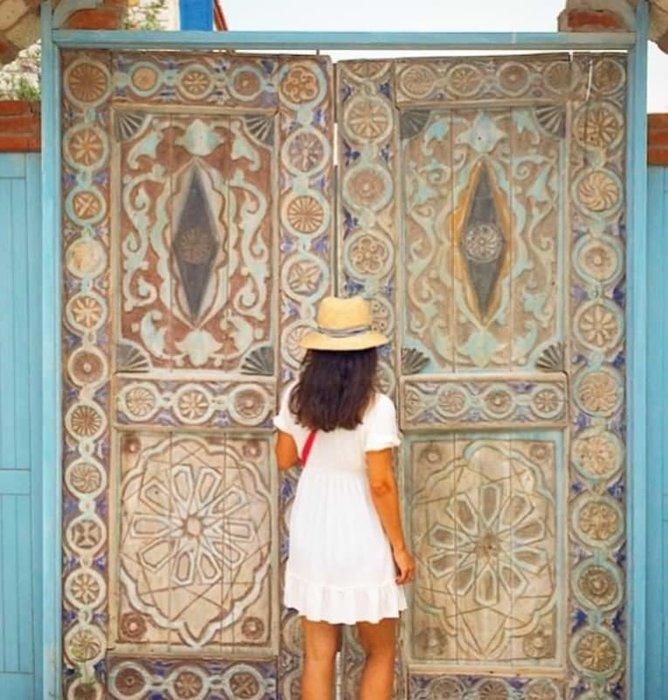 Kapıların dili olsa da konuşsa