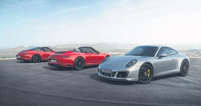 Porsche 911 ailesi GTS ile genişledi