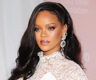 Rihanna'ya hükümetten görev: Sıra dışı ve tam...