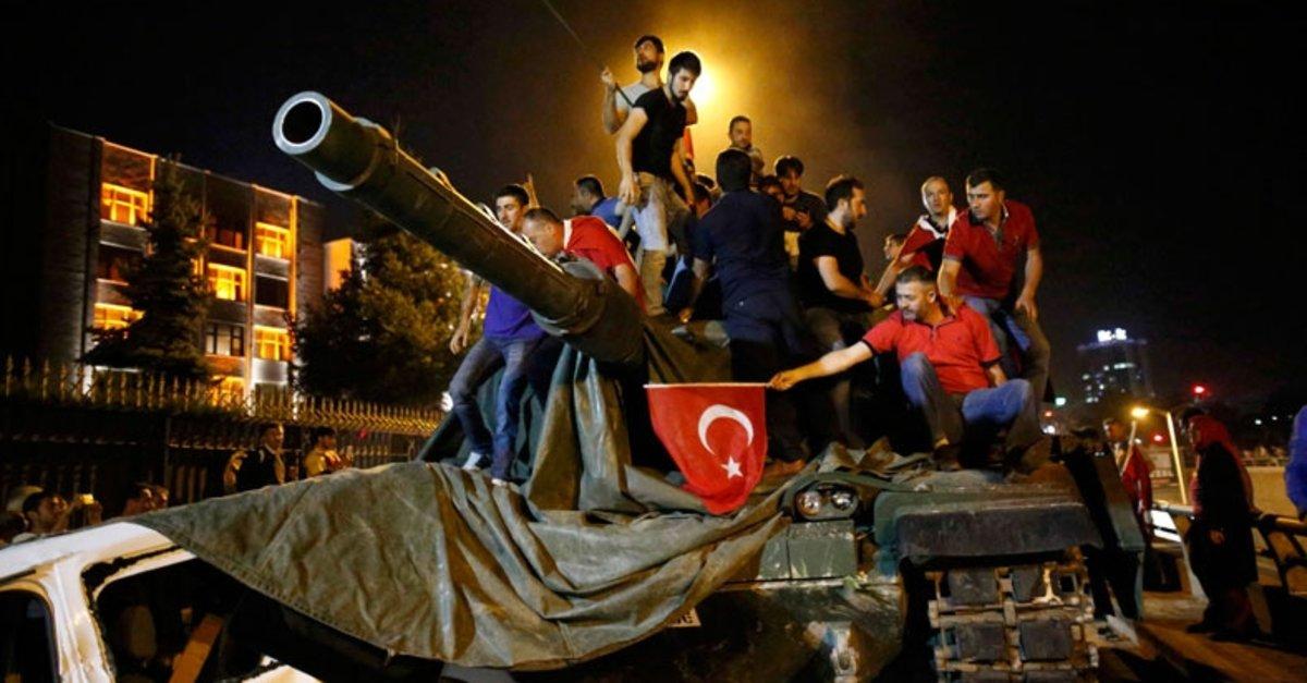 Türkiye'nin en karanlık ve kanlı gecesi 15 Temmuz... İşte saat saat  yaşananlar! - Galeri - Türkiye