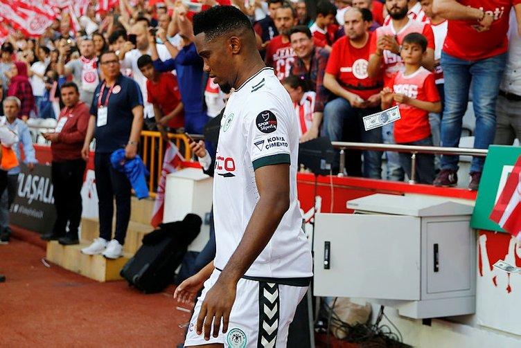 Eto'o için flaş iddia! Antalyaspor taraftarına yaptığı hareket olay çıkardı!