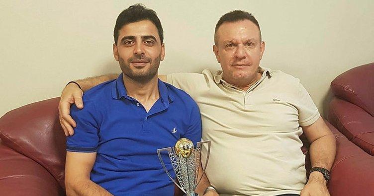 Denizlispor'un şampiyonluk kupasının minyatürü satışta