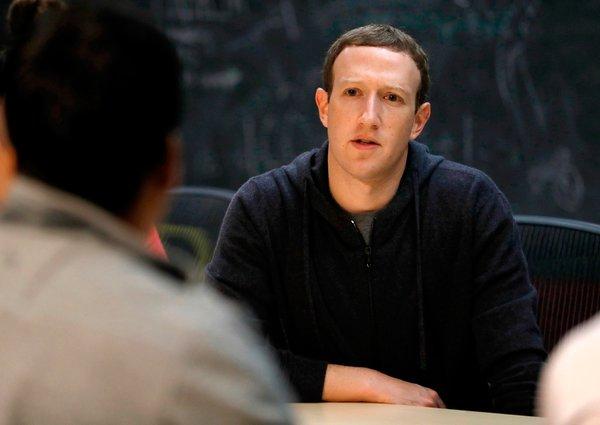 Mark Zuckerberg'in Tim Cook'a olan cevabı gecikmedi!