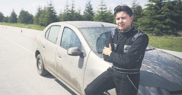 Ralli pilotu komiserin polis aracıyla yarışma hayali