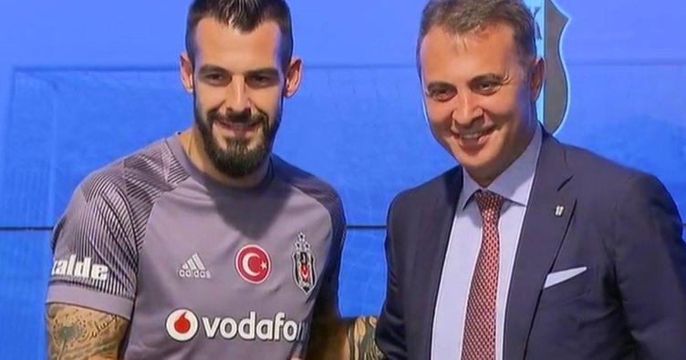 Beşiktaş'ın yeni transferi Negredo imzayı attı
