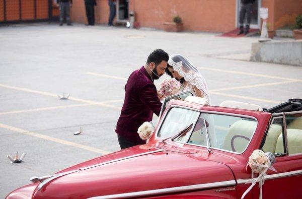 Türkiye'nin konuştuğu damat adayı Caner canlı yayında mutluluğa 'evet' dedi