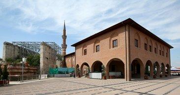 Farklı kültürlerin buluşma mekanı: Hacı Bayram