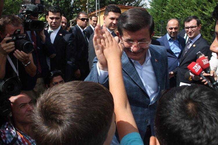 Başbakan Davutoğlu baba ocağında