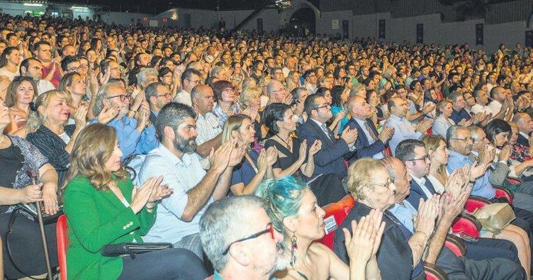 Bursa festivali muhteşem bir konserle başladı
