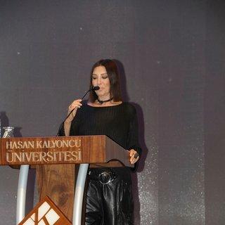 Nebahat Çehre: Türkiye'de Hollywood düzeyinde imkanlar var