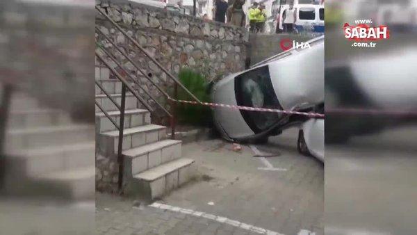 Duvarda asılı kalan araçta can pazarı | Video