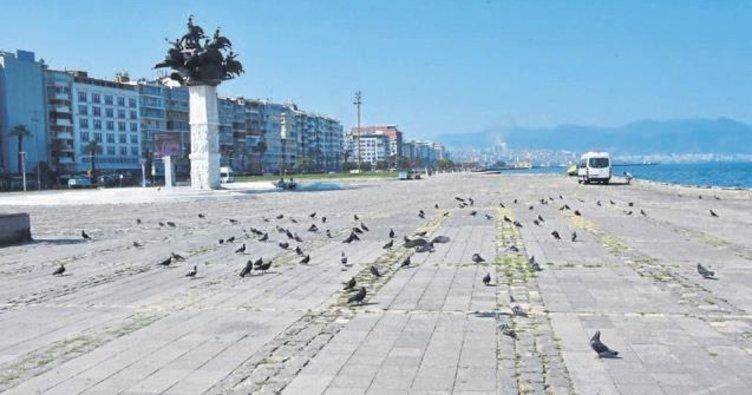 İzmirliler tatile gitti sokaklar bomboş kaldı