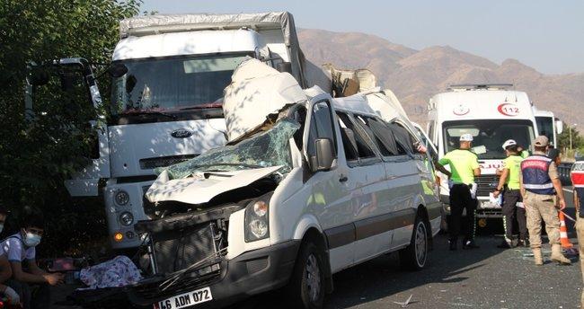 Son dakika: Elazığ'da korkunç kaza: 3 ölü, 10 yaralı