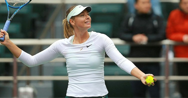 Sharapova, Çin'de yarı finalde