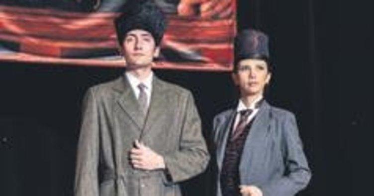 Öğrencilerden Atatürk defilesi