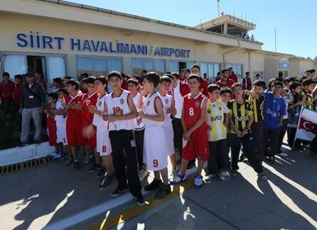 Fenerbahçe Ülker'e, Siirt'te coşkulu karşılama